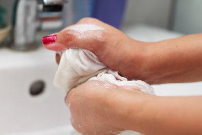 Cara Mencuci Celana Dalam Pria Dan Wanita